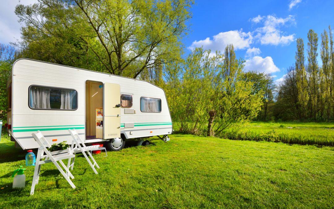 Autocamper eller campingvogn?
